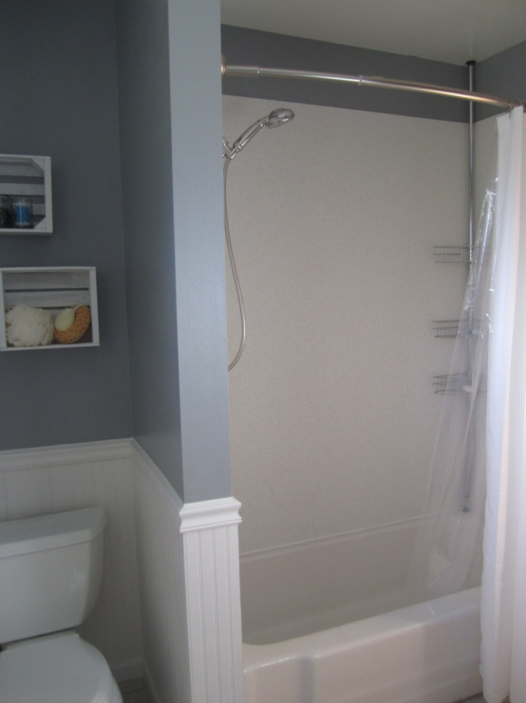 Fancy shower curtain rod, just like the hotels :)