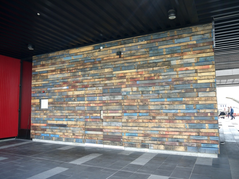 Pallet wall colors